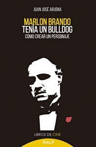 MARLON BRANDO TENIA UN BULLDOG